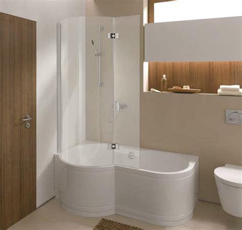 badewanne mit glaswand das perfekte bad gestalten die wahl ihrer neuen badewanne