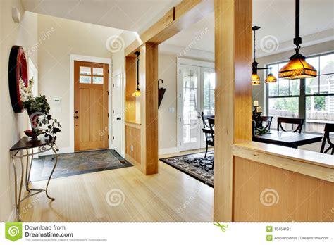 Les Porte De Maison 3310 by Vestibule 224 La Maison D Entr 233 E Image Stock Image 10454191