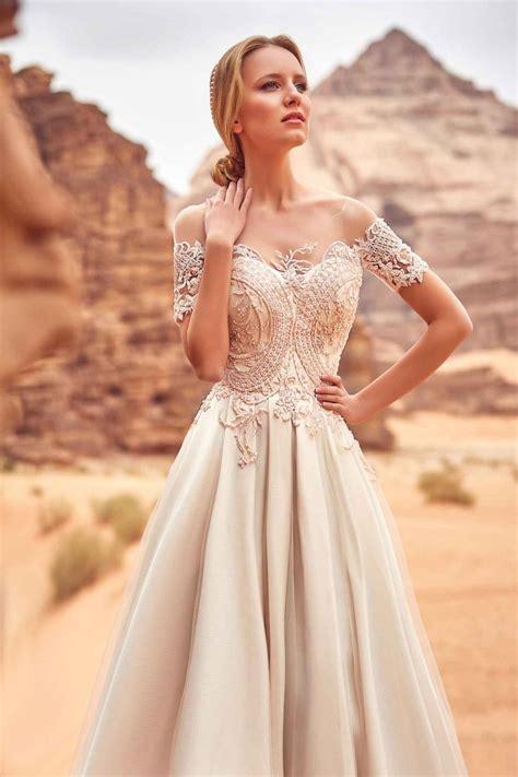 Robe De Mariée Tunisienne En - robe de mari 233 e brod 233 e de perles et de dentelle oksana