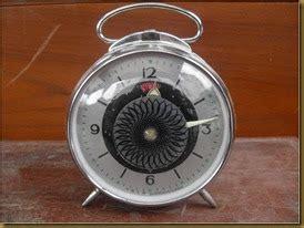 Jam Weker Sepeda koleksi barang antik jam weker bundar terjual