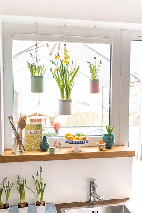 Dekoration Fenster by Fr 252 Hling Am Fenster Mit Upcycling Blumeneln Leelah