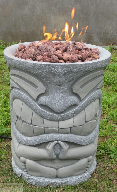 Tiki Pit gas pit outdoor tiki pole style w lava rocks logs