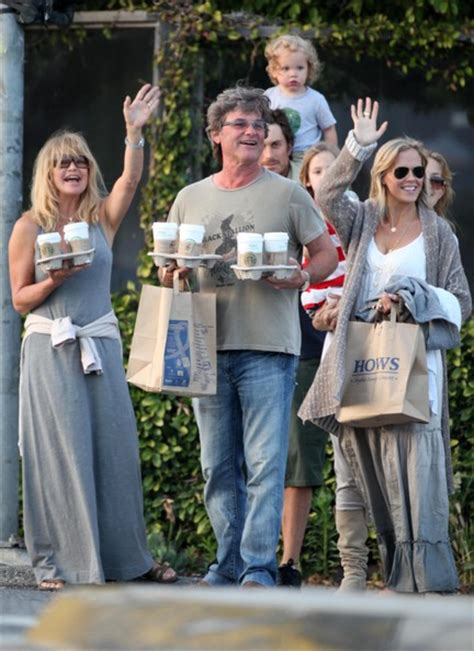 oliver hudson mother oliver hudson in kate hudson and family in malibu on