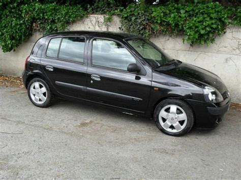 renault clio 2002 black used renault clio 2002 black colour petrol 1 4 16v