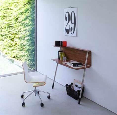 bureau mini un mini coin bureau au mur pour travailler chez soi