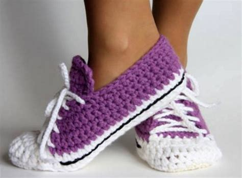 converse house shoes best 25 converse slippers ideas on pinterest crochet converse crochet shoes and