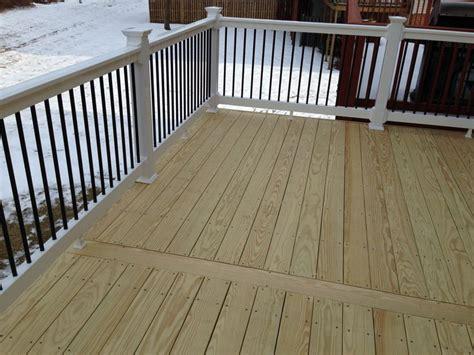 Kdat Decking 12x18 kdat wood deck w feature board in the center