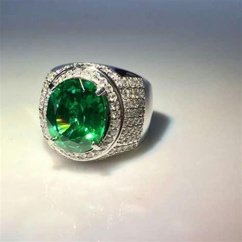 Set Perhiasan Emas Berlian With Emerald Zamrud Columbia 1000 ide tentang zamrud di berlian anting