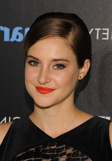 hair stlyes with side parting oval face small forehead shailene woodley side parted short straight hairstyle for