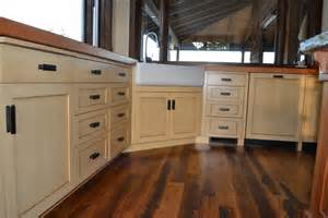Lower Kitchen Cabinets Craftsman Kitchen Lower Cabinets Paint Glaze William