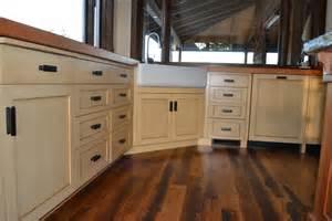 craftsman kitchen lower cabinets paint glaze william pepper fine furniture custom