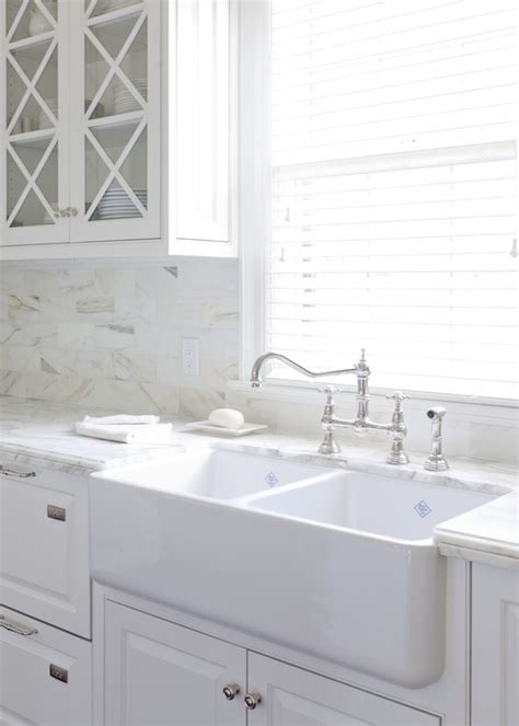 Dove White Kitchen Cabinets White Shaker Cabinets Painted Benjamin White Dove Contrasted Arrow View Kitchens