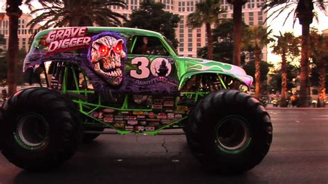 Monster Jam World Finals 2012 Grave Digger 30th