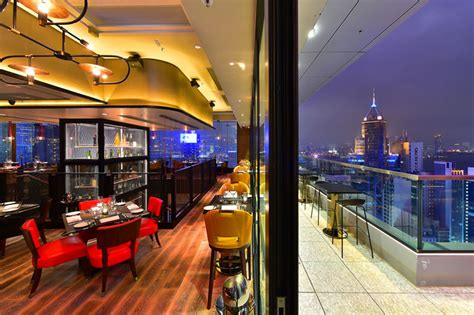 the 10 best rooftop bars in hong kong