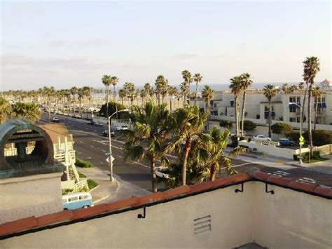 Huntington Beach Hotels On Pch - best western hb inn 800 pch all balconys are angled to get a beach view picture of