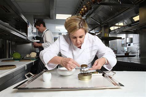 femme chef cuisine h 233 l 232 ne darroze meilleure femme chef du monde tendance food
