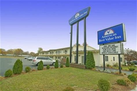 best value inns hotels near us coast guard base 1222 spruce louis americas best value inn providence rumford rumford deals see hotel photos attractions near