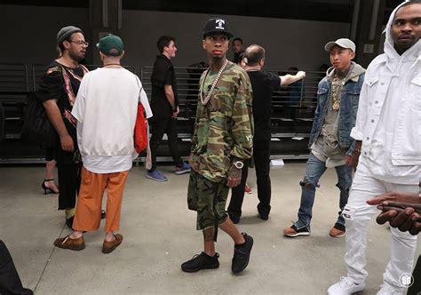 Diskon Adidas Yeezy Crepe Boots Black Season2 an exclusive the look at the yeezy season 2