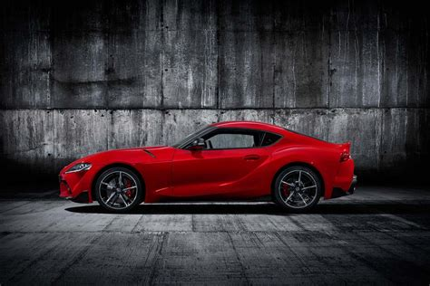 Toyota Supra 2019 by New 2019 Toyota Supra Revealed Will It Beat The Porsche