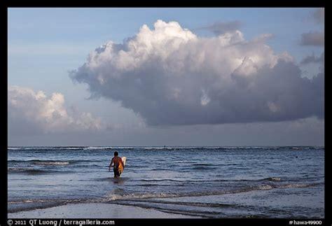 Hawa Acean Colour picture photo surfer heading out in kauai island