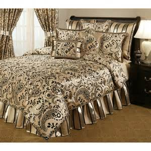 Black And Gold Bedding Sets Black And Gold Comforter Set Bellacor Black And Gold Bedding Black And Gold Bedding Set