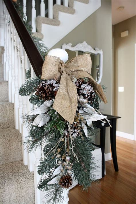 30 christmas ideas of decorating with burlap interior vogue