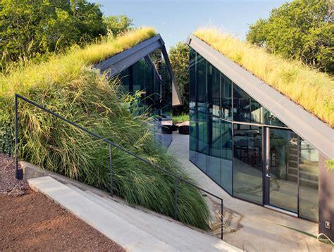 modern hobbit houses  works  earth sheltered