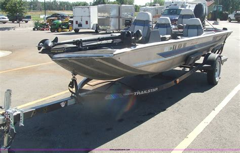 bass boats for sale midwest 1992 bass tracker pro 17 16 boat item 2243 sold