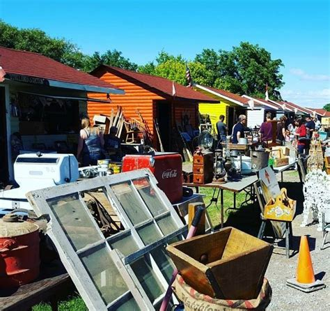 Tips For Flea Market Shopping by 6 Tips For Flea Market Shopping Compare Shops