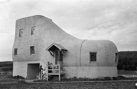 house shaped like a shoe 20 of the most unique homes ever built pics matador network