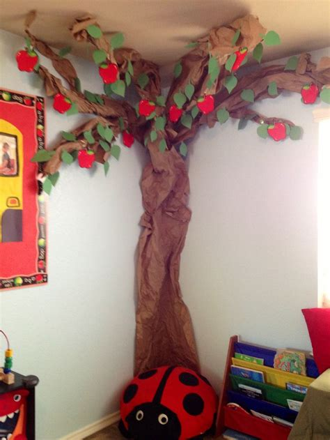 How To Make Trees Out Of Construction Paper - best 25 paper tree classroom ideas on