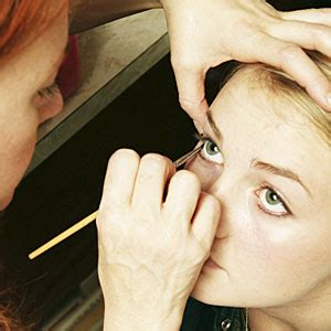 make up bibir tebal saubhaya makeup haruskah make up pengantin tebal bimbingan