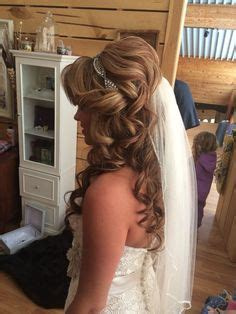 Wedding Hairstyles Curly With Veil by The Prettiest Half Up Half Hairstyles