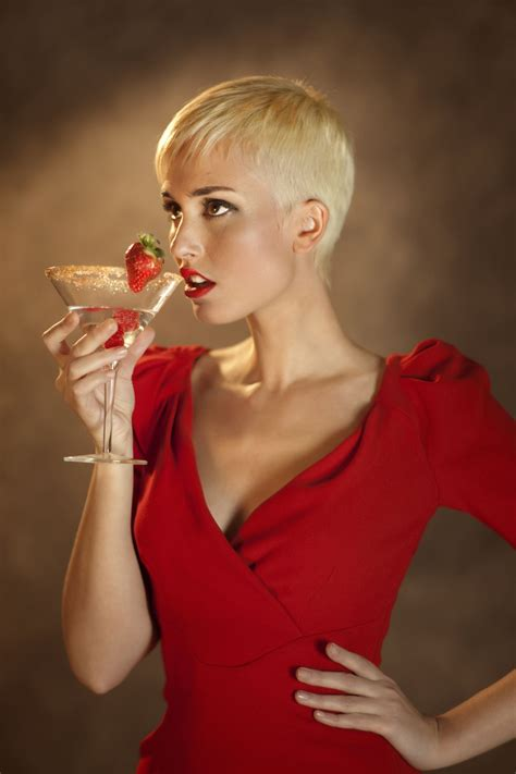 inverted triangle pixie cut she used to keep her dark inverted bob for years i wanted