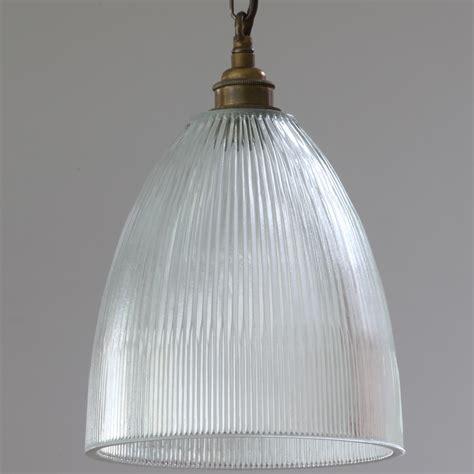 wandleuchte glas wandleuchte mit kette und prismatischem glas casa lumi