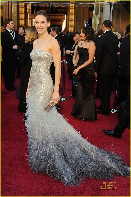 Catwalk To Carpet Hilary Swank In Lhuillier by Wedding Worthy Oscar S Dresses The Magazine