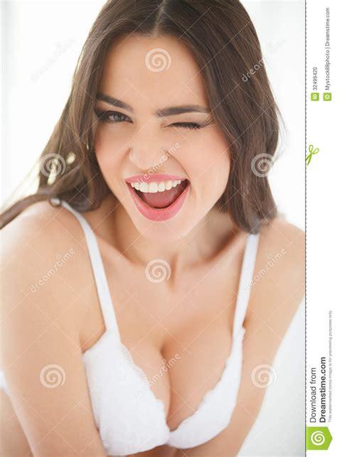 imagenes sud para mujeres jovenes muchacha emocional mujeres jovenes hermosas en ropa