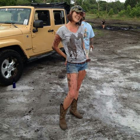 muddy jeep girls jeep jeep girls pinterest 4x4 volvo and the mud