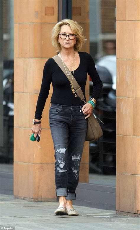 how does felecity kendal style hair felicity kendal s wearing ripped jeans at 69 has sandra