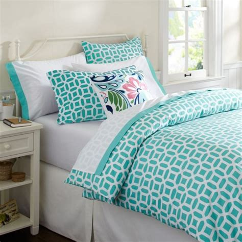 cool girl bedroom design ideas with white metal platform