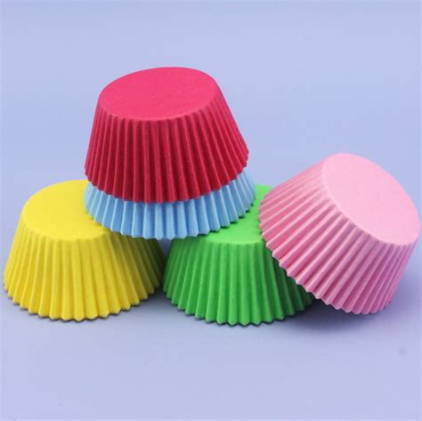 Cake Cases 70mm Base 30mm Bunga 60 assorted coloured cupcake cases