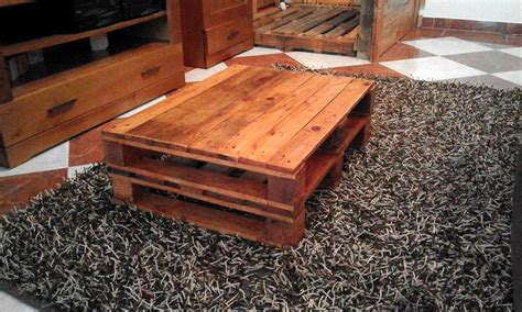 rustic coffee table made out of pallets
