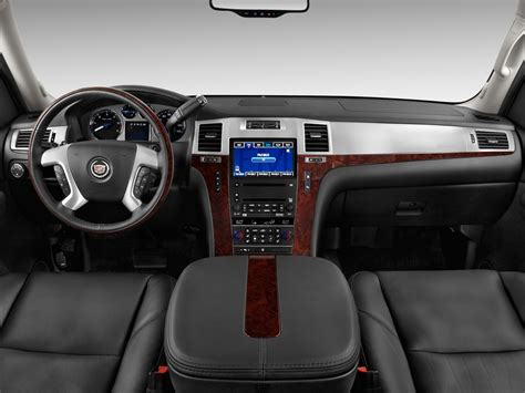 cadillac escalade ext interior 2009 cadillac escalade ext reviews and rating motor trend