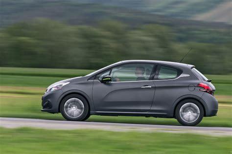 Auto Front Lackieren Kosten by Peugeot 208 Facelift 2015 Fahrbericht Autobild De