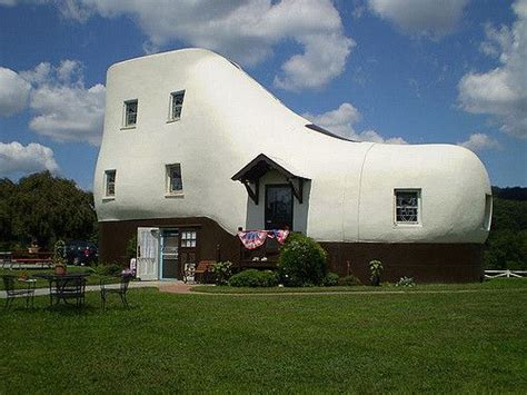 the shoe house pa haines shoe house in york pa smallhomes pinterest shoes and houses
