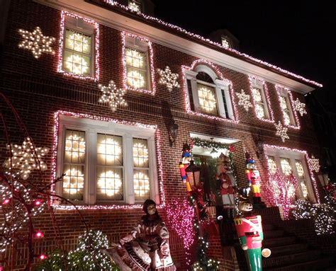 Dyker Heights Christmas Lights New York City Christmas Dyker Heights Lights Tour 2014