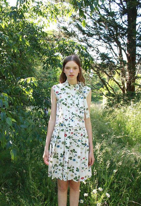 abito a fiori abito a fiori i modelli di tendenza diredonna