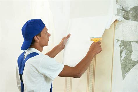Tapete Wand Lösen by Mit Feuchtigkeit Lassen Sich Alte Tapeten Der Wand