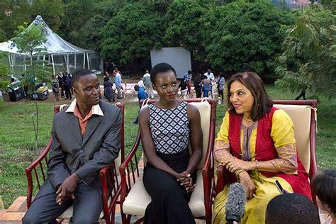 radio katwe 2015 photos lupita nyongo in uganda filming disney s queen
