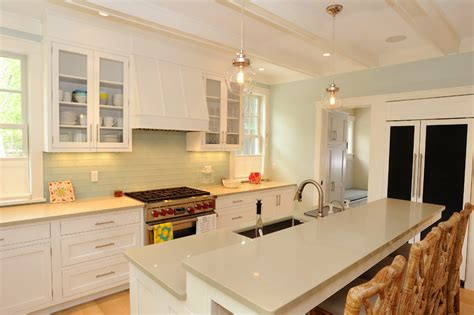 White Kitchen Cabinets Beige Countertop by Cool White Shaker Cabinets Method Other Metro Style Kitchen Decorating Ideas With Bar